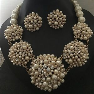 Jewelry - Pearl and Rhinestone Necklace Set